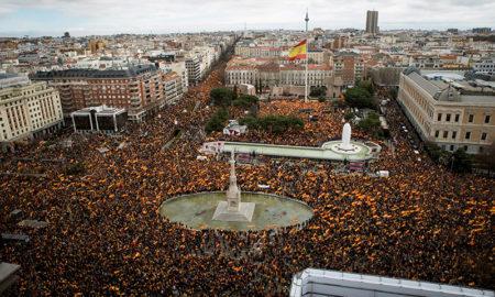 La derecha exige elecciones anticipadas en España con una masiva protesta