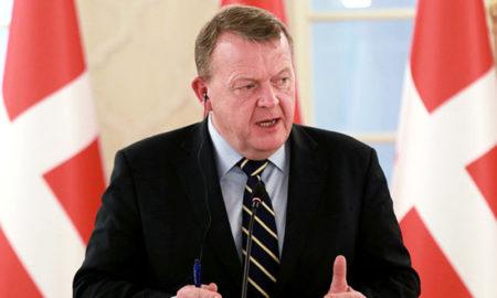 Renunció el primer ministro danés