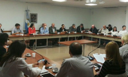 Empresarios y trabajadores piden suspender las negociaciones Mercosur-UE